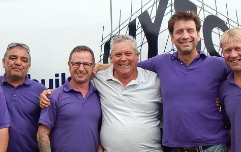 Roof Assured Installer helps DIY SoS team