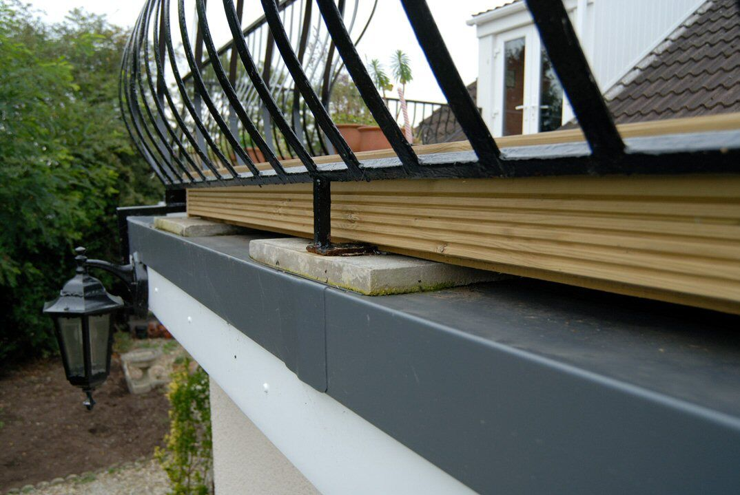 Roof terraces balcony installation flat roof single for Balcony on roof