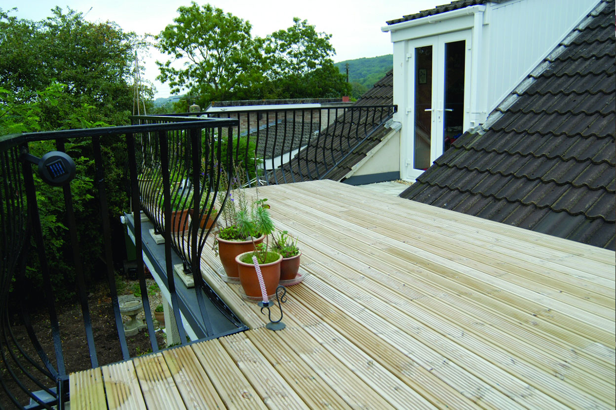 Roof terraces balcony installation flat roof single for Balcony roof ideas